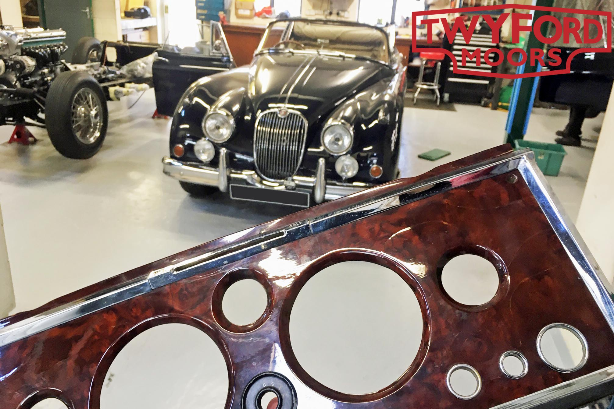 Jaguar XK150 wooden dashboard
