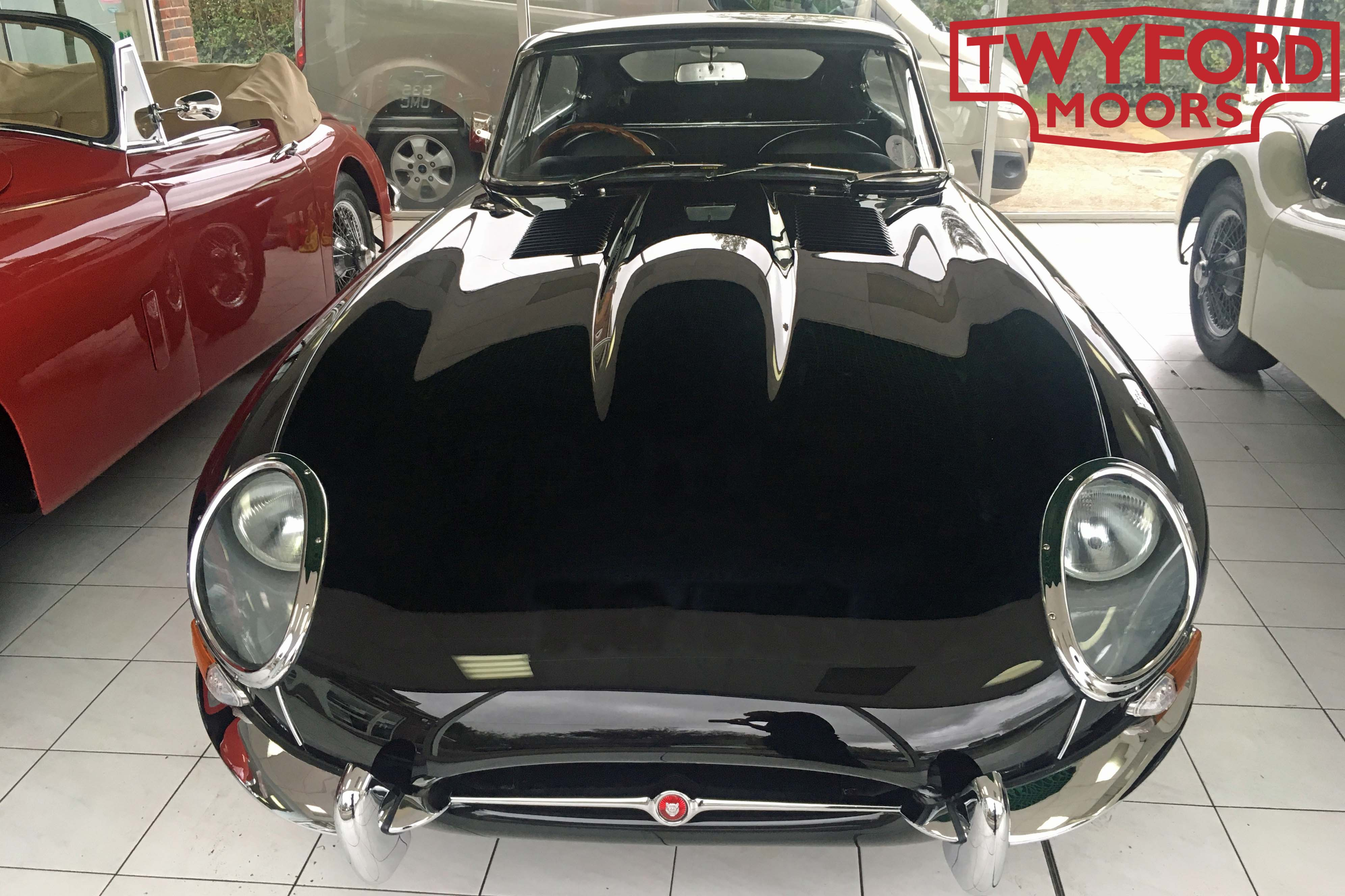 Jaguar E-Type windscreen wiper adjustment