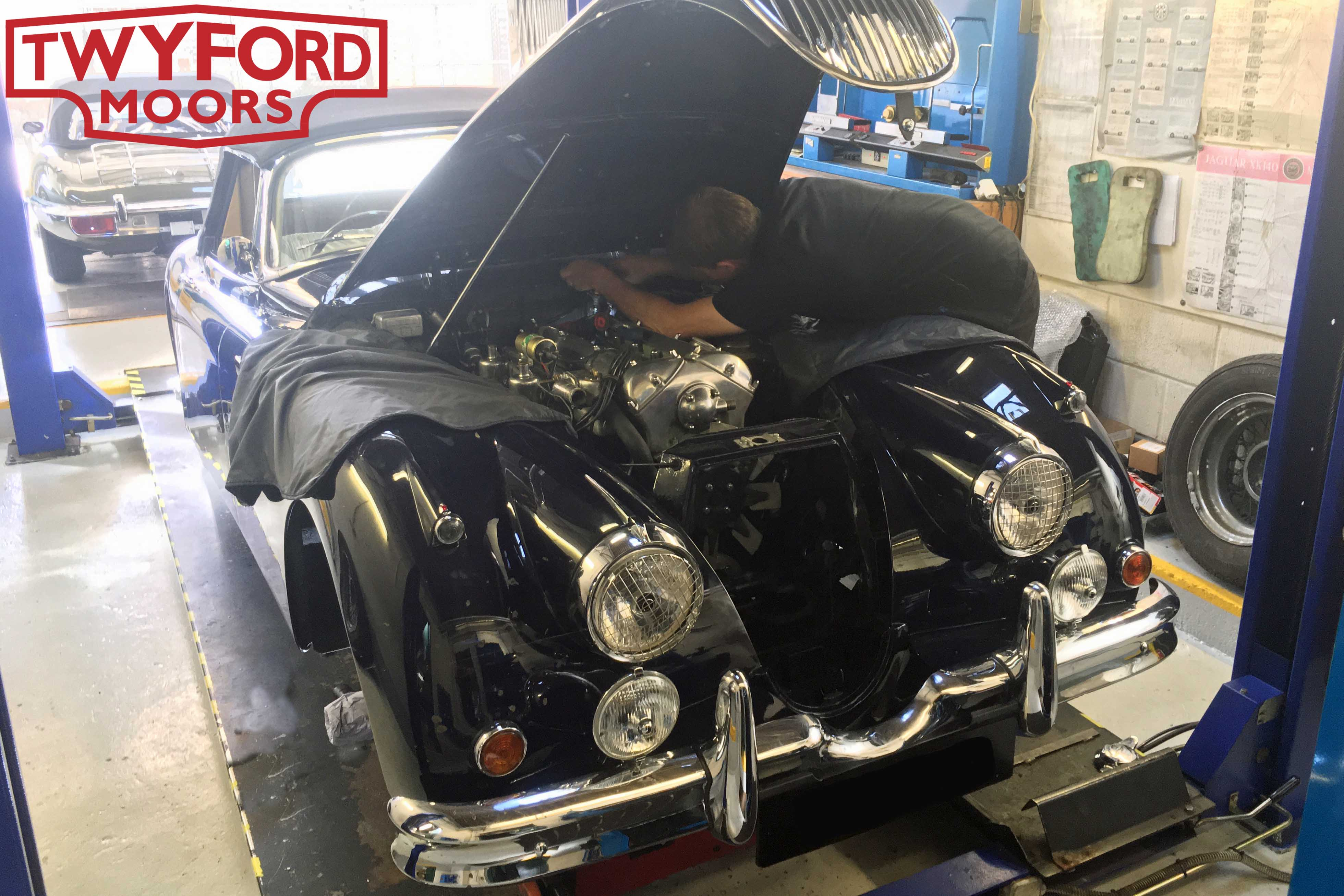 Jaguar XK150 servicing
